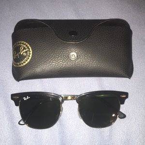 Rayban RB 3016 Clubmaster Classic Sunglasses